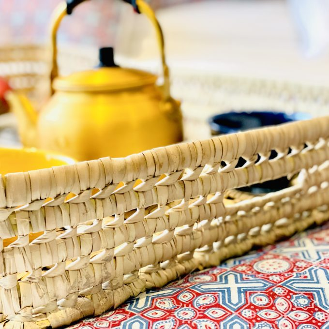 plateau panier en feuilles de palmier grand modele xxl fabrique au Maroc a la main Ma Jungle Family