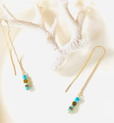boucles d'oreilles pendantes en plaque or 24 carats cahinnette en perles dorées turquoise d''Egypte hématite Ma Jungle Family