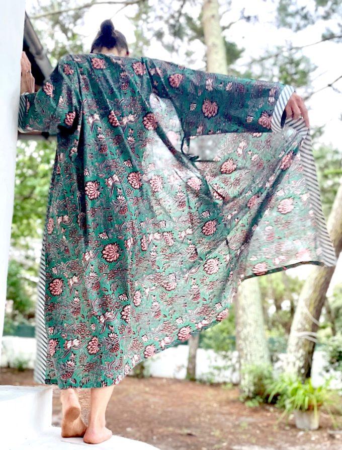 kimono émeraude fleuri dahlia vert émeraude saumon coton blockprint Inde Ma Jungle Family